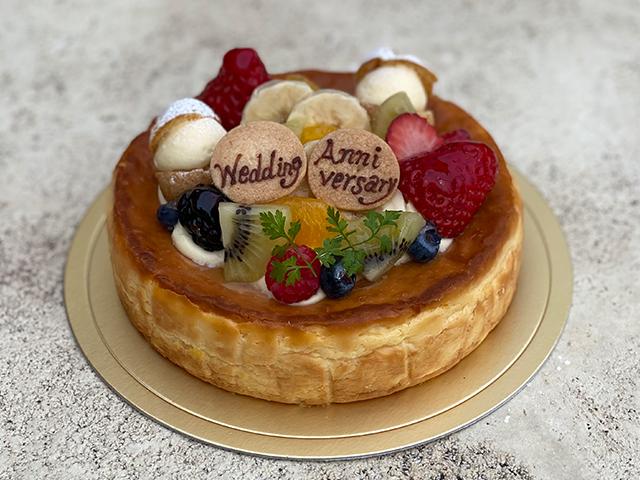 クリーミーチーズケーキ(フルーツのせ)